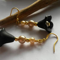 Earrings Cream and Black