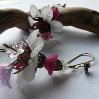 Earrings White and Fuchsia flowers