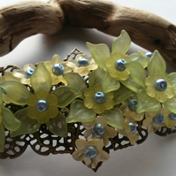 Hair Clip Green, yellow and blue flowers
