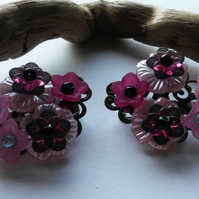 Hair Clips - A pair of pink flower clips