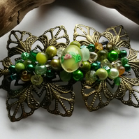 Hairclip Barbara green beaded hair clip