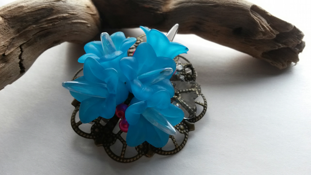Hairclip  Eden with turquoise flowers
