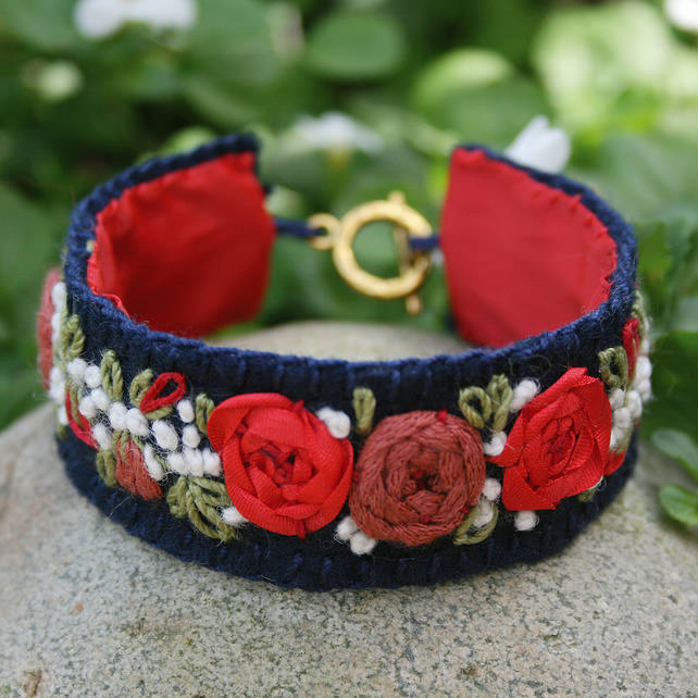 Embroidered Bracelet - Red Rose Garland on Felt
