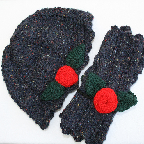 NOW 25% OFF - Hat and fingerless gloves with roses