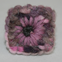Lilac Daisy - Embroidered Brooch