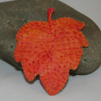 Autumn Leaf - Embroidered felt brooch
