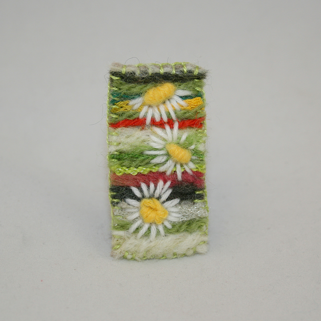SALE - Daisies - Embroidered and felted brooch