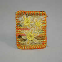 Daffodils - Embroidered and felted brooch