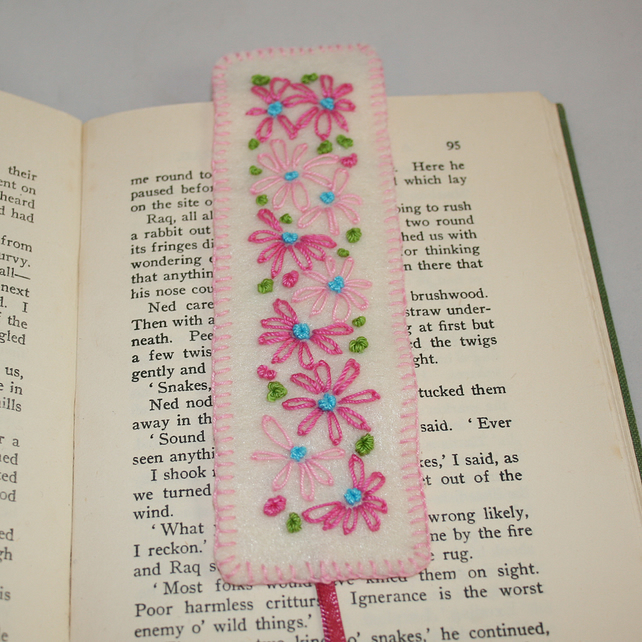 SALE - Bookmark - Pink Retro Daisies