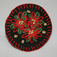 Poinsettia - Embroidered felt brooch