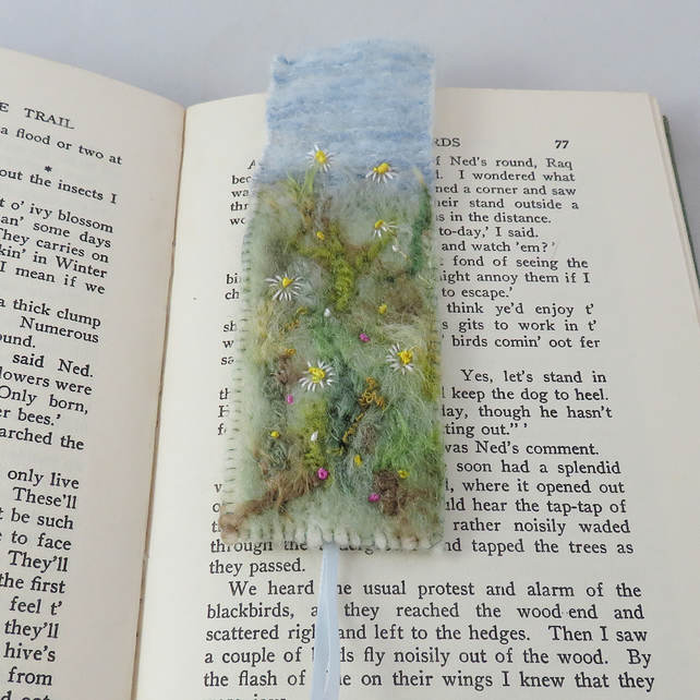 Meadow - Embroidered bookmark
