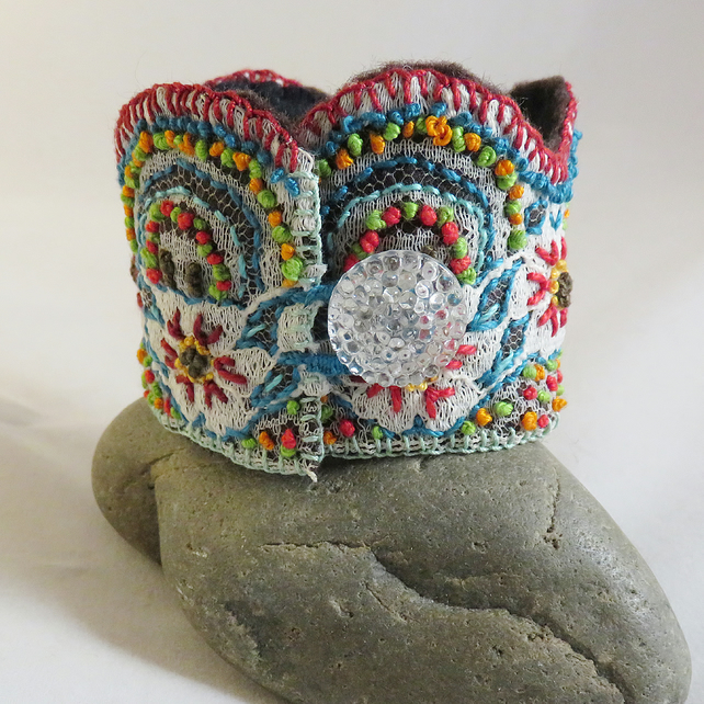 Embroidered Lace Cuff