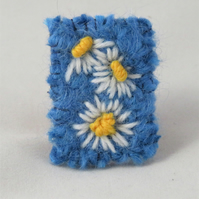 SALE Brooch - Daisies - Embroidered and knitted and felted brooch