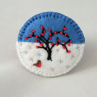 Winter Tree and Robin - Embroidered round felt brooch