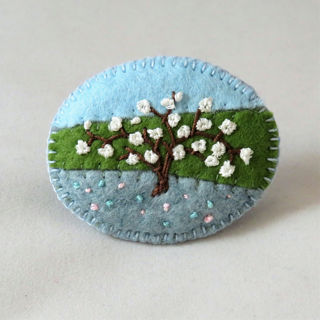 White Cherry Blossom - Embroidered felt brooch