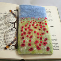 Poppies embroiderd and felted spectacles case
