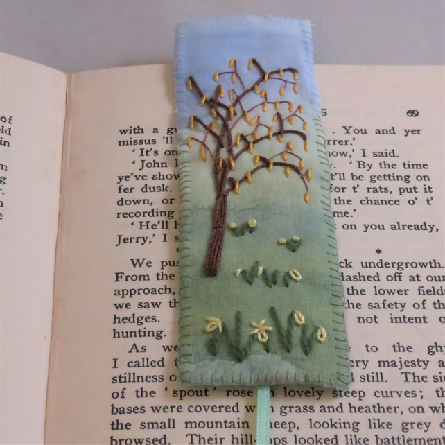 Daffodils and Catkins bookmark - painted and stitched