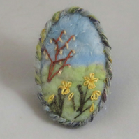 SALE Daffodils Brooch -embroidered on felted background