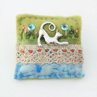Cat brooch - stretching cat - cats