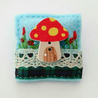 Brooch - fairy toadstool - fairies