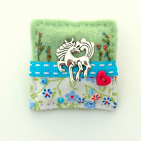 horse brooch - equine gifts