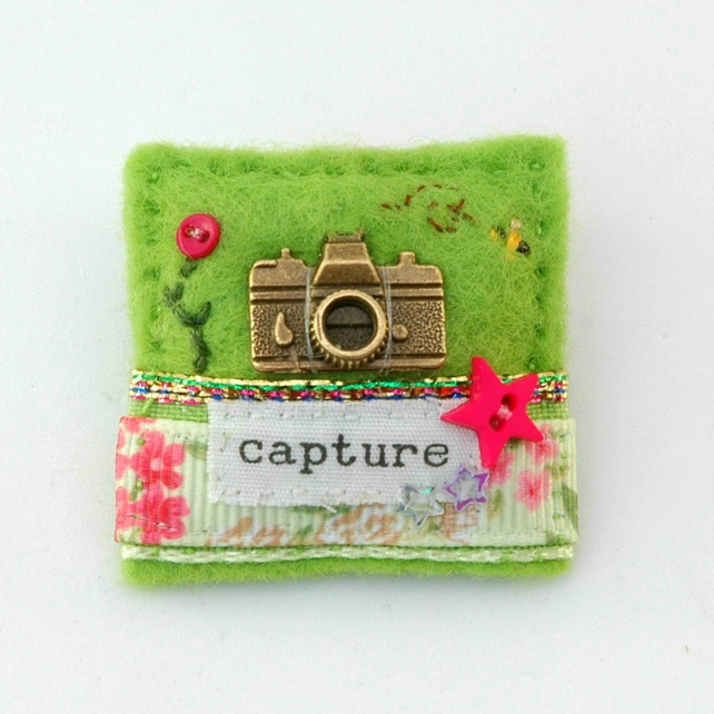 camera brooch - gift for photographer