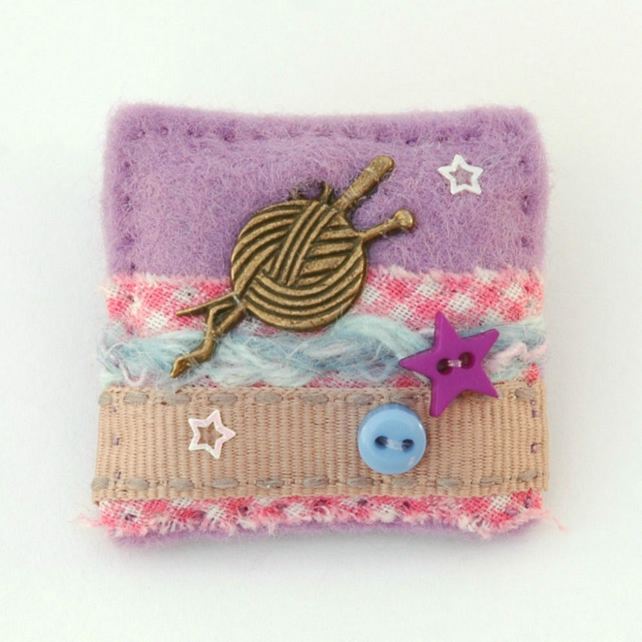 brooch - knitting - gift for knitters