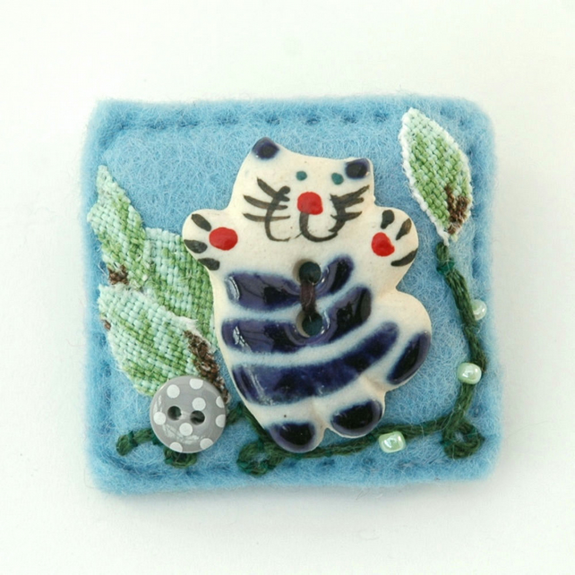 brooch - cat brooch - cat lover gift - cats