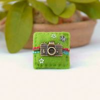 brooch - camera brooch - mini lapel pin - photographer gift
