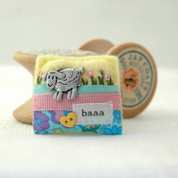 sheep brooch, hand sewn decorative felt sheep brooch