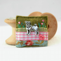pug brooch - little pug gift idea - pug jewellery - pug Valentine
