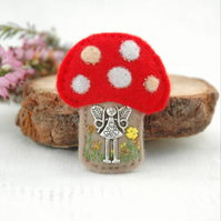 fairy toadstool brooch, hand sewn faery jewellery for fairy lovers