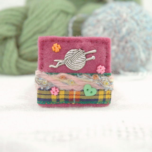 knitting brooch, gifts for knitters with Scottish tartan ribbon