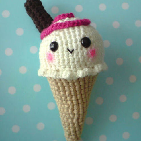 Ice cream cone amigurumi