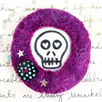 Purple Skull Brooch. Gothic Brooch. Felt Brooch. Cute Goth Brooch. Alternative