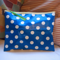Dotty Wash Bag (Washbag) - Pale Yellow Zip
