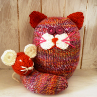 Knitted cat and mouse orange mix