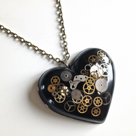 Steampunk Necklace Heart Black