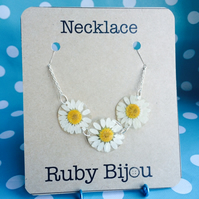 Real Daisy Necklace Chain