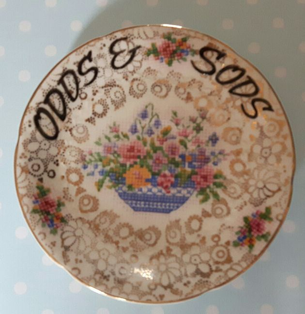Vintage orphan saucer trinket tray for your odds & sods