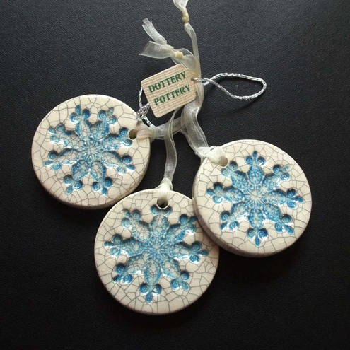Set of 3 chunky crackled ceramic snowflake decorations