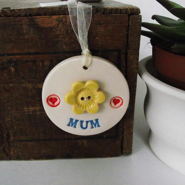Pottery decoration Mum with flower button Mothers Day