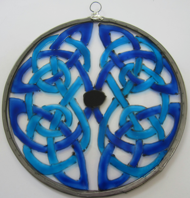 Suncatcher - Celtic Knot Blues - Medium