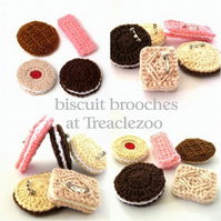 a biscuit brooch
