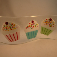 Fused Glass Standing Curve - Cupcakes
