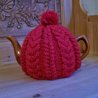 Medium Cable Tea Cosy