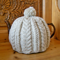 large Cable Tea Cosy