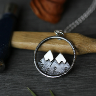 Sterling silver Twin peaks necklace