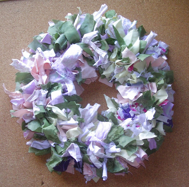 Traditional Rag Wreath - Vintage