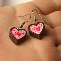 Strawberry fondant heart cup earrings